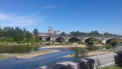 Orleans ville d art et d histoire le pont royal routes touristiques dans le loiret guide du tourisme centre val de loire