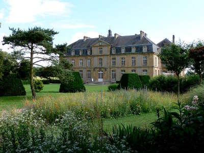 Pange le chateau routes touristiques de la moselle guide du tourisme de la lorraine