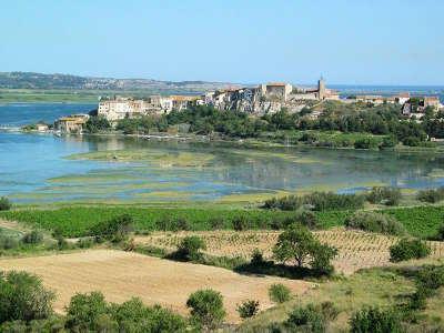 Parc naturel regional de la narbonnaise en mediterranee les routes touristiques de aude guide du tourisme d occitanie