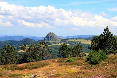 Parc naturel regional des monts d ardeche en ardeche guide touristique de l ardeche rhone alpes