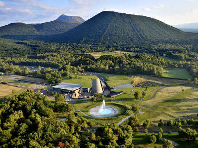 Parc vulcania parc des volcans routes touristiques du puy de dome guide touristique auvergne