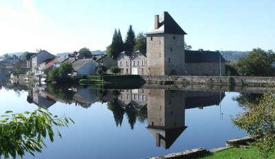 Peyrat le chateau routes touristiques de la haute vienne guide du tourisme du limousin