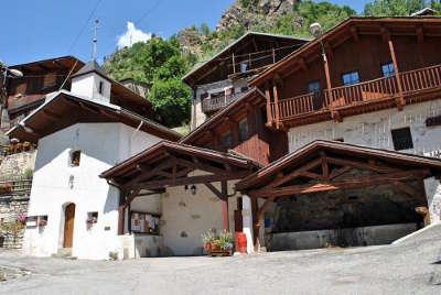 Planay hameau le chamberanger routes touristiques de savoie guide touristique de rhone alpes