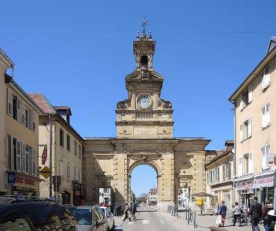 Pontarlier porte saint pierre plus beaux detours routes touristiques du doubs guide touristique franche comte