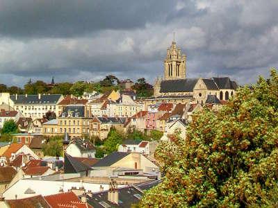 Pontoise ville d art et d histoire routes touristiques du val d oise guide du tourisme d ile de france