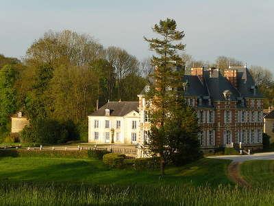 Pouvrai chateau routes touristiques de l orne guide du tourisme normandie