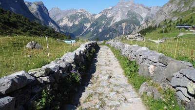 Pralognan la vanoise col de la vanoise routes touristiques de savoie guide touristique de rhone alpes