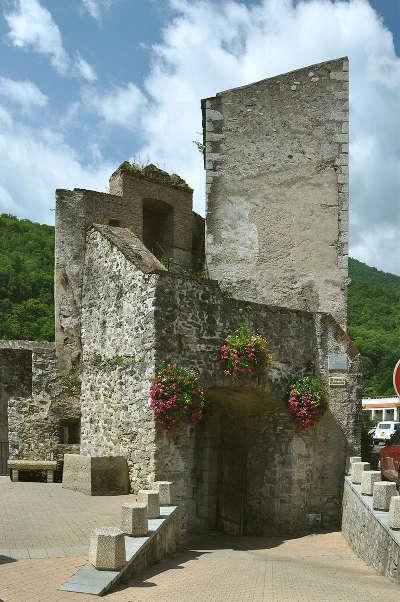 Prats de mollo haut vallespir routes touristiques des pyrenees orientales guide du tourisme du languedoc roussillon