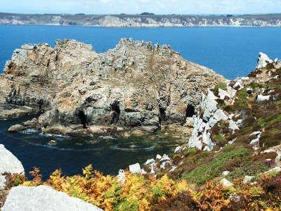 Presqu ile de crozon la pointe de dinan routes touristiques dans le finistere guide du tourisme en bretagne