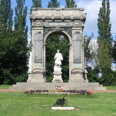 Proyart monument aux morts routes touristique de la somme guide du tourisme de picardie
