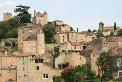 Puy l eveque chateau de puy l eveque routes touristiques du lot guide touristique midi pyrenees