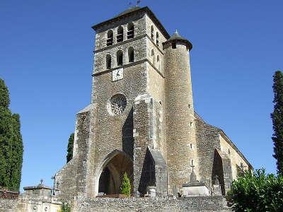 Puy l eveque eglise saint sauveur le clocher et la tour de guet routes touristiques du lot guide touristique midi pyrenees