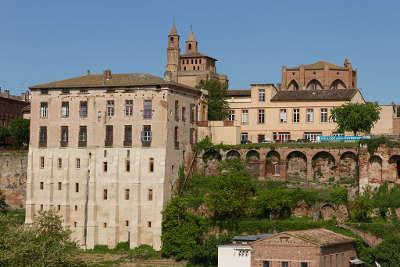Rabastens routes touristiques du tarn guide du tourisme de l occitanie