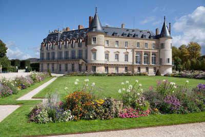 Rambouillet ville d art et d histoire le chateau et son jardin routes touristiques des yvelines guide du tourisme ile de france