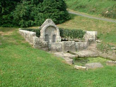 Riec sur belon fontaine saint leger a riec sur belon les routes touristiques dans le finistere guide du tourisme en bretagne