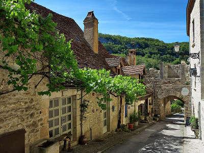 Rocamadour cite medievale grand site de france la porte basse routes touristiques du lot guide touristique midi pyrenees