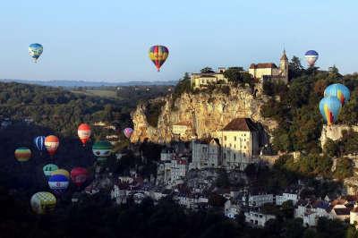 Rocamadour cite medievale grand site de france les montgolfiades routes touristiques du lot guide touristique midi pyrenees