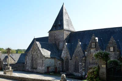 Rochefort en terre plus beau village de france petite cite de caractere l eglise et le calvaire routes touristiques dans le morbihan guide du tourisme