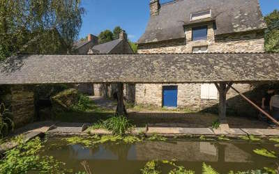 Rochefort en terre plus beau village de france petite cite de caractere lavoir du 16eme siecle routes touristiques dans le morbihan guide du tourisme
