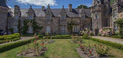 Rochefort en terre plus beau village de france petite cite de caractere le chateau routes touristiques dans le morbihan guide du tourisme en bretagne