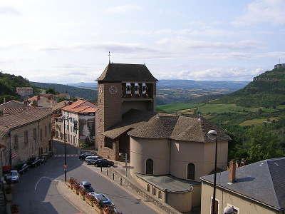 Roquefort sur soulzon grand site du gout l eglise paroissiale saint pierre routes touristiques de aveyron guide du tourisme midi pyrenees