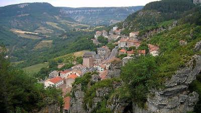 Roquefort sur soulzon grand site du gout les routes touristiques de aveyron guide du tourisme midi pyrenees