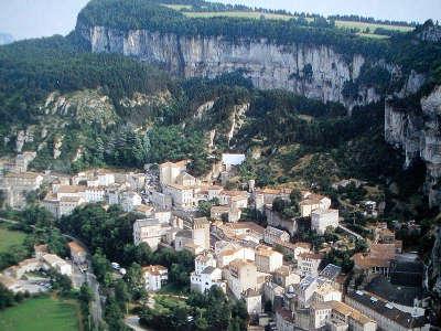 Roquefort sur soulzon grand site du gout routes touristiques de aveyron guide du tourisme midi pyrenees