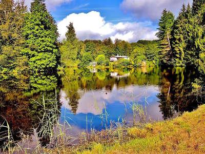 Route des mille etangs un etang en aval du village d ecromagny routes touristiques de haute saone guide touristique de franche comte