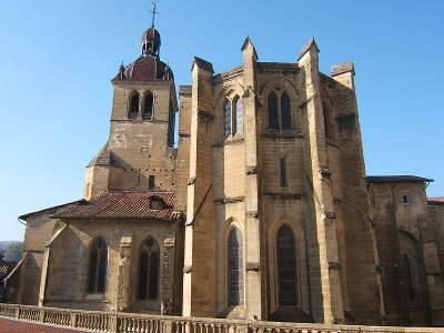 Saint antoine l abbaye eglise abbatiale cote chevet routes touristiques de isere guide du tourisme de rhone alpes