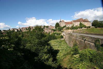 Saint benoit du sault plus beau village de france les routes touristiques dans l indre guide du tourisme centre val de loire