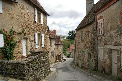 Saint benoit du sault ruelles plus beau village de france les routes touristiques dans l indre guide du tourisme centre val de loire