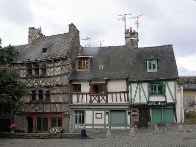 Saint brieuc vieilles maisons routes touristiques dans les cotes d armor guide du tourisme en bretagne