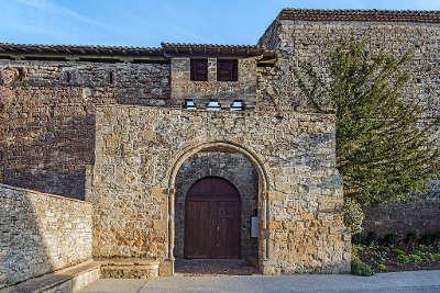Saint felix lauragais entree du chateau routes touristiques de hautes garonnes guide du tourisme midi pyrenees 1