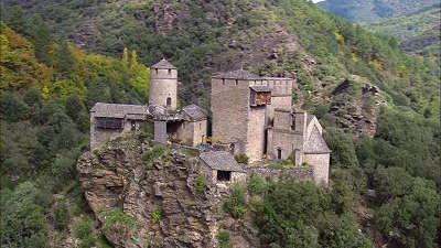 Saint germain de calberte chateau saint pierre routes touristique de la lozere guide du tourisme du languedoc roussillon