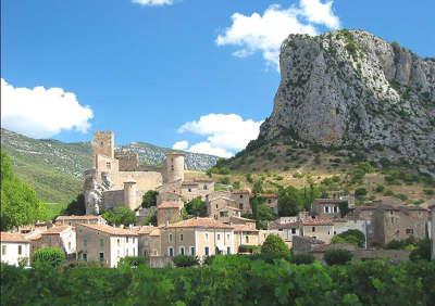 Saint jean de bueges routes touristique de l herault guide du tourisme du languedoc roussillon