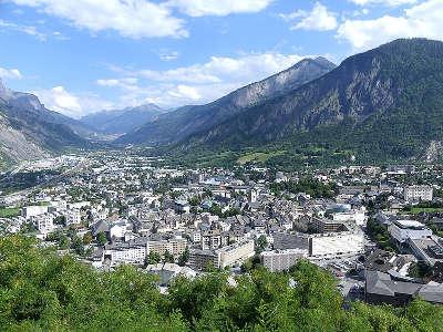Saint jean de maurienne routes touristiques de savoie guide touristique de rhone alpes