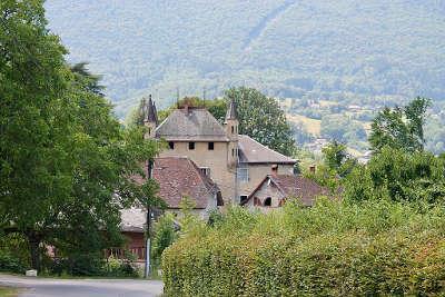 Saint jorioz chateau de villard chabod routes touristiques de haute savoie guide du tourisme de rhone alpes