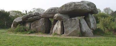 Saint lyphard dolmen de kerbourg route touristique de loire atlantique guide du tourisme des pays de la loire