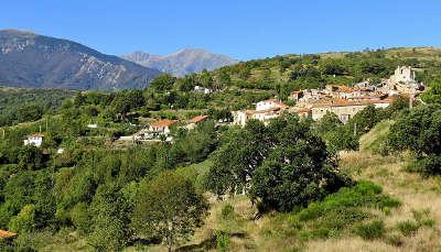 Saint marsal haut vallespir routes touristiques des pyrenees orientales guide du tourisme du languedoc roussillon
