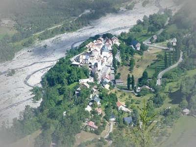 Saint martin d entraunes village de caractere routes touristiques des alpes de haute provence guide touristique de la provence alpes cote d azur