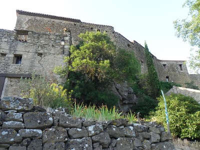 Saint pierre des champs le chateau routes touristique de aude guide du tourisme du languedoc roussillon