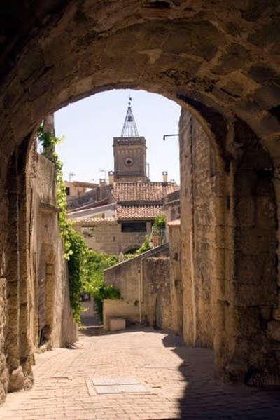 Saint quentin la poterie routes touristiques du gard guide du tourisme du languedoc roussillon