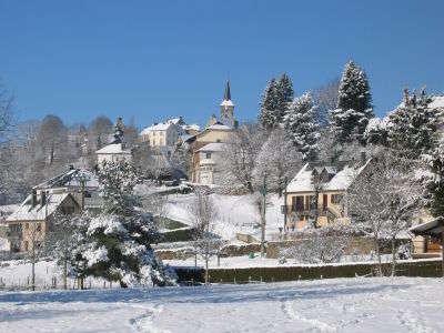 Saint sauves d auvergne en hivers les routes touristiques du puy de dome guide touristique auvergne