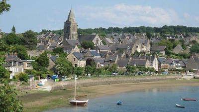 Saint suliac le port plus beau village de france routes touristiques dans l ille et vilaine guide du tourisme en bretagne