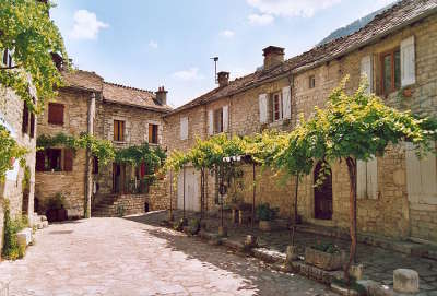 Sainte enimie plus beaux villages routes touristiques de lozere guide touristique du languedoc roussillon