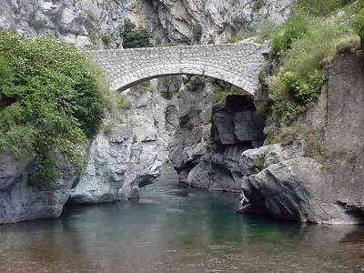 Saorge village perche gorge de saorge routes touristique des alpes maritimes guide du tourisme provence alpes cote d azur