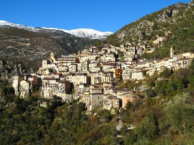 Saorge village perche routes touristique des alpes maritimes guide du tourisme provence alpes cote d azur