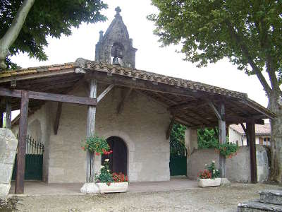 Sarrant plus beau village chapelle notre dame de la pitie routes touristiques du gers guide du tourisme midi pyrenees