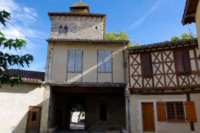 Sarrant plus beau village porte de la villes routes touristiques du gers guide du tourisme midi pyrenees