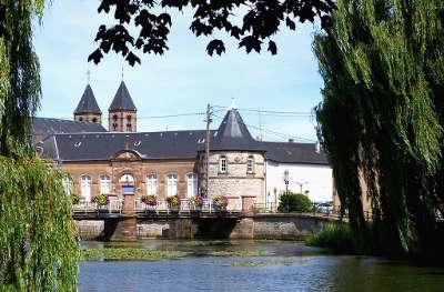 Sarrebourg le casino et l eglise saint barthelemy routes touristiques du bas rhin guide touristique de l alsace